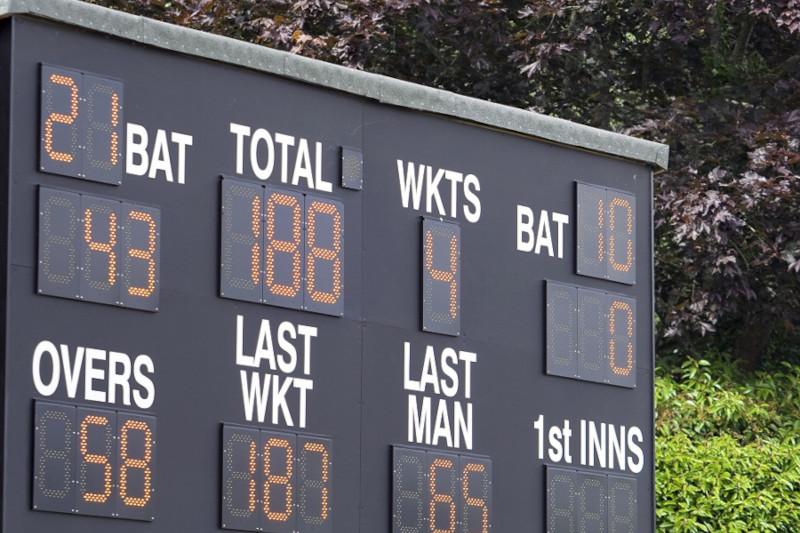 Cricket-Scoring-feat