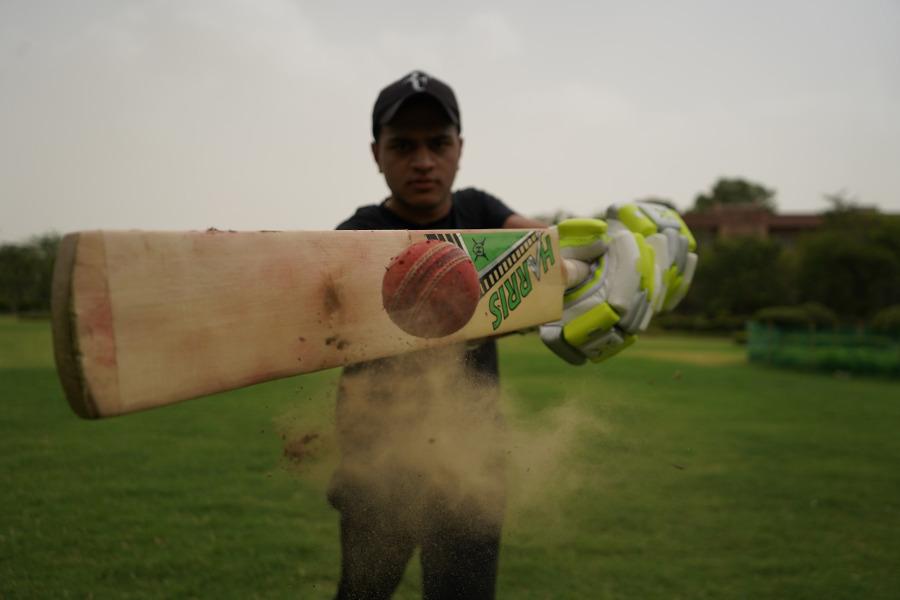 cricket bat knocking