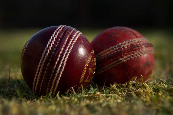 cricket-ball-shining