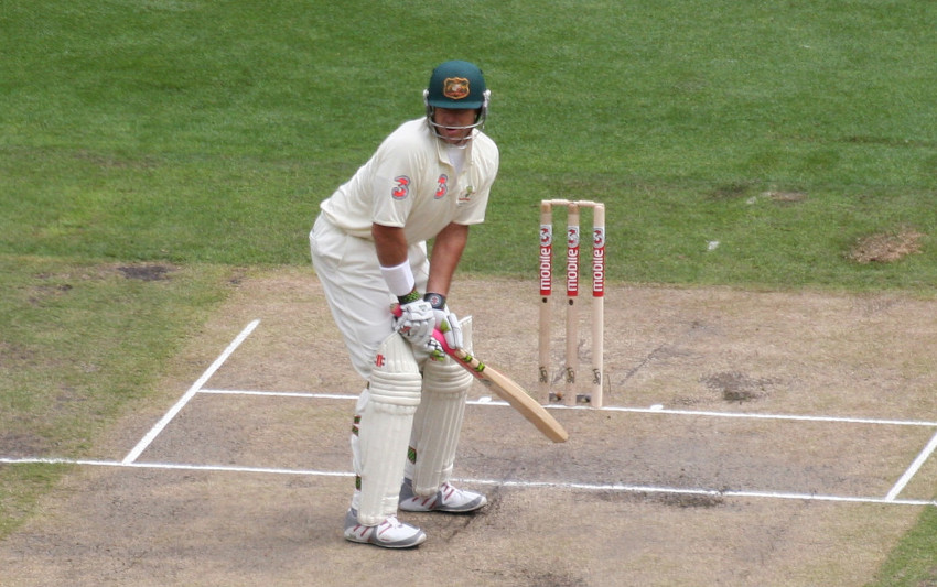 left-handed-batting-feat