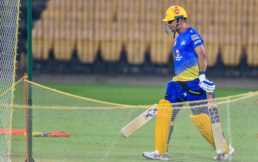 taking-guard-in-cricket-feat