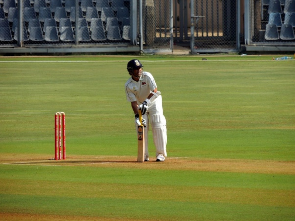 taking-guard-in-cricket