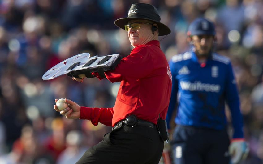 Cricket-Umpire-Shield-feat